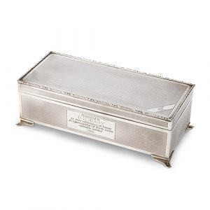 Fine Engine Turned Silver Cigar / Cigarette Box