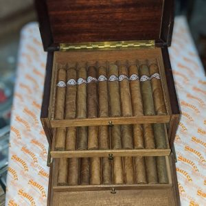 A Rare Vintage Cigar Humidor in Oak with Inlaid Brass with 30 x Montecristo No.5
